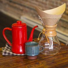 I love my Chemex with great passion, though I wish I'd bought the one with the wooden collar and not the glass handled one.