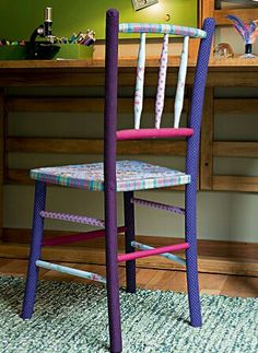 Cadeira forrada de tecido