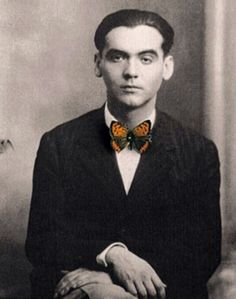 Image of Spanish poet Federico García Lorca manipulated by Chema Madoz Robert Mapplethorpe, Pier Paolo Pasolini, Poesia Visual, Patti Smith, Writers And Poets, Photocollage, Book Writer, Art History, Jazz