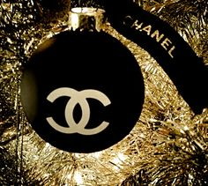 CHANEL - via: chic-vouge-chanel - Imgend luxury christmas. Best interior trends for your home. Elegant Christmas, Gold Christmas, Christmas Colors, Beautiful Christmas, Winter Christmas, Christmas Bulbs, Christmas Decorations, Holiday Decor, Christmas Ideas