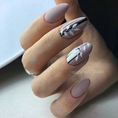 On average, the finger nails grow from 3 to millimeters per month. If it is difficult to change their growth rate, however, it is possible to cheat on their appearance and length through false nails. Beautiful Nail Designs, Cool Nail Designs, Cute Nails, My Nails, Beige Nails, Latest Nail Art, Nail Designs Spring, Spring Design, Nagel Gel