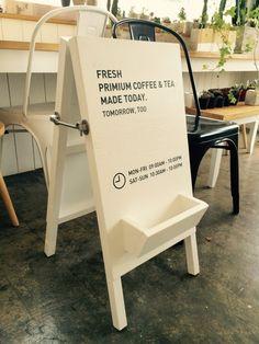 안녕하세요 디자인 사무실 알렉산더 슈퍼트램프입니다저희 사무실 입간판 제작해봤는데저희 블로그 보시고 ... Wayfinding Signage, Signage Design, Cafe Design, Store Design, Standing Banner Design, Exhibition Display Stands, Tea Cafe, Sandwich Board, Interior Design Elements