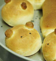bread bear, too cute!