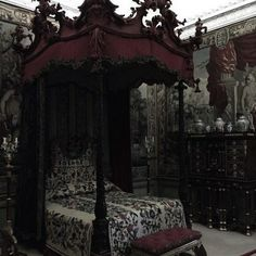 Amazing and Unique Victorian Bedroom Design Ideas. Applying Main Victorian Bedroom Design Ideas in your home can be very fun, especially for women, who dream to live like a queen. Most people prefer th. Gothic Room, Gothic House, Gothic Castle, Victorian Furniture, Victorian Decor, Vintage Gothic Decor, Steampunk Furniture, Old Victorian Homes, Victorian Dresses