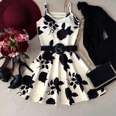 Vestido Alcinha Rodado  No neoprene C/ BOJO( Estampa Rosas C/ Fundo OFF)