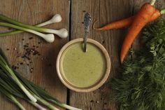 Zupa koperkowa z pewnością posmakuje ci w chłodne jesienne dni. Rozgrzewająca zupa sprawi, że od razu poczujesz się lepiej, a jesienne słoty nie będą ci straszne...
