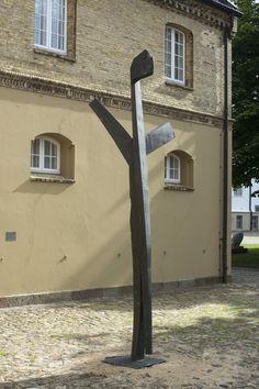 #Schleswig Am Baum festgebunden, wird Sebastians Brust von Pfeilen durchbohrt. Der ehemalige römische Soldat hatte sich im 3. Jahrhundert n. Chr. öffentlich zum Christentum bekannt und auch notleidenden Chris...