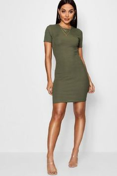 You'll find the bodycon dress for you at boohoo Ireland. The bodycon dress is perfect for the party season. Dress For You, New Dress, Day Dresses, Dresses For Work, Red Bodycon Dress, Jumper Dress, Latest Dress, Dress Collection, Designer Dresses