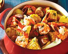 Shrimp Boil with Sausage, Potatoes & Corn