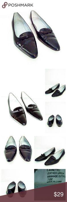 Etienne Aigner  leather shoes sz 7.5 Etienne Aigner  leather shoes sz 7.5 Has some scuffs Etienne Aigner Shoes Flats & Loafers