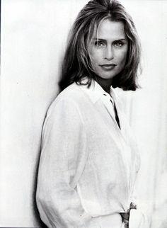 La sencillez de una camisa blanca. Lauren Hutton