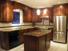 Armoire de Cuisine Classique en bois avec comptoir de Granit More