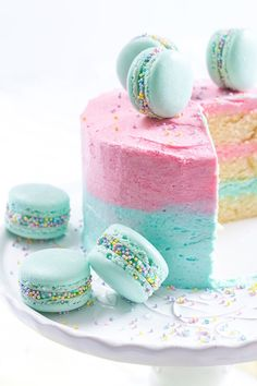21 Gorgeous Baby Shower Cake Ideas for Spring | Brit + Co