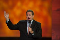 Oracle's President, Mark Hurd speaking live at OracleWorld event.