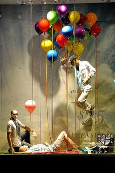 The kid in us loves ballons (and Canada) Le Chateau Pride 2011. #design #windowdisplay