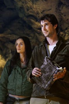 Still of Gabrielle Anwar and Noah Wyle in The Librarian: Return to King Solomon's Mines (2006)