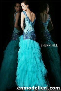 sırtı açık kabarık mavi sherri hill elbise modelleri 2014