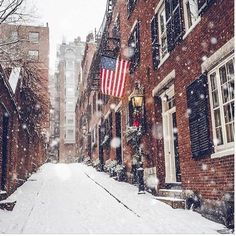 Don't you love the look of old brick buildings in the snow?