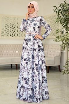 Muslim Women Fashion, Islamic Fashion, Modest Dresses, Stylish Dresses, Blue Dresses, Abaya Fashion, Fashion Dresses, Modern Hijab Fashion, Hijab Style Dress