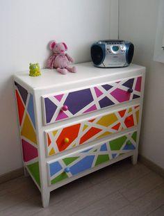 Commode en bois des années 50 relookée - Colorée, douce et pétillante - peinture…