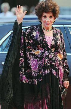 "La actriz italiana Gina Lollobrigida llega al estreno de ""Linhas de Wellington"""