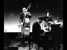 Willie Dixon-I Can't Quit, You Baby - YouTube