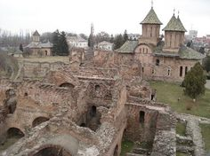 Tirgoviste court ruin served as the capital of Walachia where Vlad Tepes (Vlad the Impaler) ruled - Romania Places To Travel, Places To Visit, Dracula Castle, Vlad The Impaler, Romania Travel, Château Fort, Monuments, Beautiful Buildings, Abandoned Places