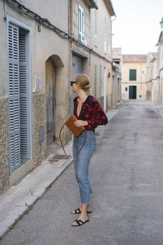 Outfit: Victoriana inspired Blouse - The Limits of Control Simple Outfits, Basic Outfits, Cool Outfits, Summer Outfits, Casual Outfits, Fashion Outfits, First Date Outfits, Parisian Chic Style, Mode Ootd