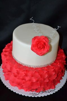 Elegant cake Elegant Cakes, Birthday Cake, Desserts, Food, Birthday Cakes, Meal, Stylish Eve Cakes, Deserts, Essen