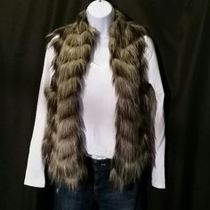 Guess Faux Fur Vest Used less than 5 times. Light Weight vest. Guess Jackets & Coats Vests
