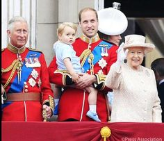 Prince George's first appearance on the balcony wearing the same outfit his father wore at HM's Birthday Parade 1984