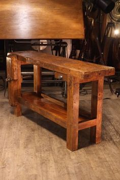 meuble de metier ancien etabli Toulouse, Tool Bench, Antique Tools, Pallet Creations, Woodworking Workbench, Outdoor Furniture, Outdoor Decor, Entryway Tables, Diy Projects