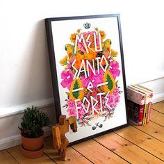 """Já conhecem a nossa coleção Especial #ChicoRei  #nacasadajoana?  - O pôster """"Santo Forte"""" é um dos 15 lançamentos: uma explosão de cores e proteção extra para a sua casa.  Quer conhecer todos? Vem cá: http://ift.tt/1dqyBxz (link na bio)  - #nacasadajoana #abaixoasparedesvazias #pôster #posters #quadros #enquadrados #design #decoração #decor #interiordesign #pinterest #meunacasadajoana #casa #lar"""