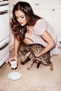 Minka Kelly | Ellen von Unwerth | 'Roommate Wanted! | GQ February 2011 — Anne of Carversville