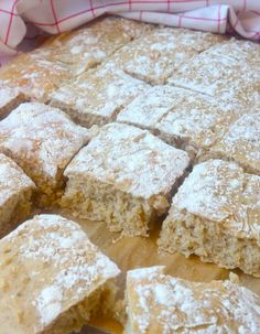 Fika, What To Cook, Creative Food, Bread Recipes, Banana Bread, Goodies, Food And Drink, Rolls, Tasty