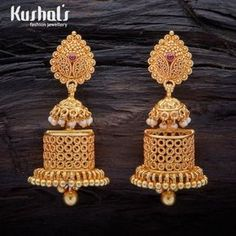 A stunning pair of South Indian Traditional Silver Temple long Jhumka Earrings with Hanging Beads. this pair makes for great festive wear. Wedding Jewellery Designs, Antique Jewellery Designs, Gold Jewellery Design, Wedding Jewelry, Gold Jewelry, Bridal Jewellery, India Jewelry, Diamond Jewellery, Jewelry Art