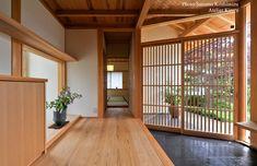 Spacious and airy. Modern Japanese Interior, Japanese Style House, Traditional Japanese House, Asian Interior, Japanese Interior Design, Interior Exterior, Japanese Architecture, Interior Architecture, Bedroom Minimalist
