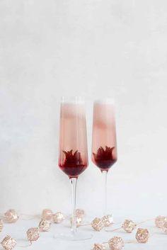 Metal EP-CKTBL02 Epicureanist Champagne Cork Table