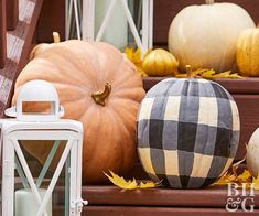 Add Farmhouse Style to Your Fall Decor with These DIY Buffalo Check Pumpkins We'll walk you through how to paint gingham pumpkins with acrylic paint to display on your porch or incorporate into a fall centerpiece. Outside Fall Decorations, Thanksgiving Decorations, Thanksgiving Table, Thanksgiving Crafts, Porch Ideas For Fall, Halloween Decorations, Thanksgiving Wedding, Thanksgiving Cocktails, Thanksgiving Wallpaper