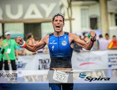 Voando para Kona: as parciais completas dos classificados para o Mundial de Ironman no Havaí  http://www.mundotri.com.br/2013/05/voando-para-kona-as-parciais-completas-dos-classificados-para-o-mundial-de-ironman-no-havai/