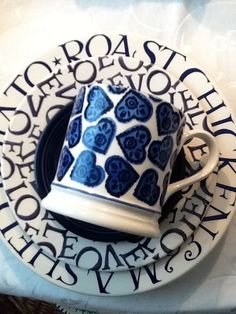 Emma Bridgewater Studio Special Blue Doily Hearts 1 Pint Mug for Collectors Day 2011