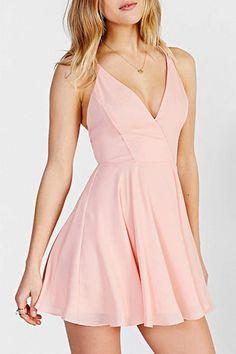 sweet-solid-v-neck-backless-dress
