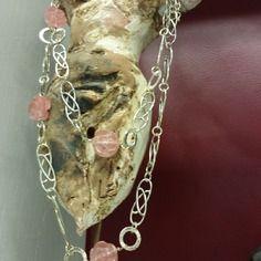 Collana lunga con roselline