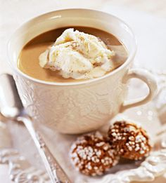 Spiced Cappuccino: In just 10 minutes, you can make this classic Italian drink. And it tastes just like one from a cafe./