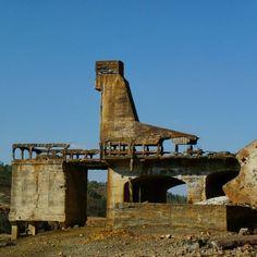 The strange formations of the ruins of an abandoned mine in the Portuguese Alentejo region. *viajarporquesim.blogs.sapo.pt #travelblog #travelgram #travelling #travel #bloguedeviagens #viajar #viagens #nofilter  #photography #photodaily #instadaily #instagood #travelphotography #portugal #alentejo #minadesaodomingos #ruins #abandonedmine