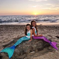 Two thumbs way up for mermaid friends! :thumbsup: