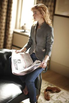 New for the 2011/2012 season, the Tallulah jacket is effortlessly sophisticated with a lean and feminine cut. This new style hints at the sharp cut of our Hacking jacket and also reflects a gently refined silhouette that draws attention to its beautifully sculpted shoulder.