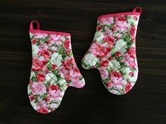 Roses Oven Mitts, Quilted Floral Oven Gloves, Pink White Red  Kitchen Decor