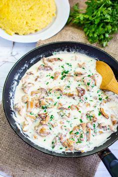 Galbiori cu smantana si usturoi Risotto, Stuffed Mushrooms, Food And Drink, Cooking Recipes, Ethnic Recipes, Kitchen, Per Diem, Salads, Stuff Mushrooms