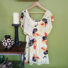 Maude floral dress - size medium Adorable yellow flowy dress featuring multi colored flowers. Tag says medium, so it fits an 8. Maude Dresses